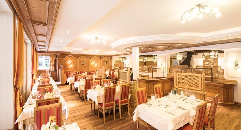 restaurant-josefstube-hotel-der-stubaierhof-neustift-austria.jpg