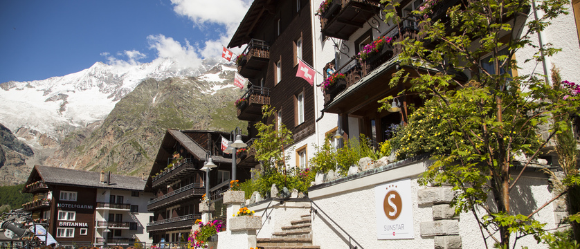 koffer-saas-fee-sunstar-boutique-hotel-saas-fee-ski-swiss_original_6676.jpg