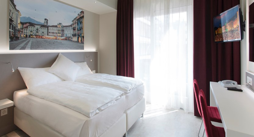 city-hotel-modern-twin-contracted-1.jpeg
