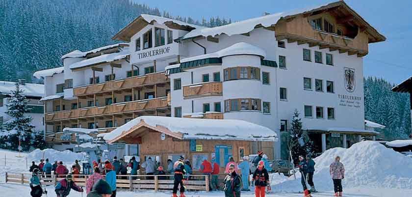 Austria_Oberau_Hotel-tilerhof_Exterior-winter.jpg
