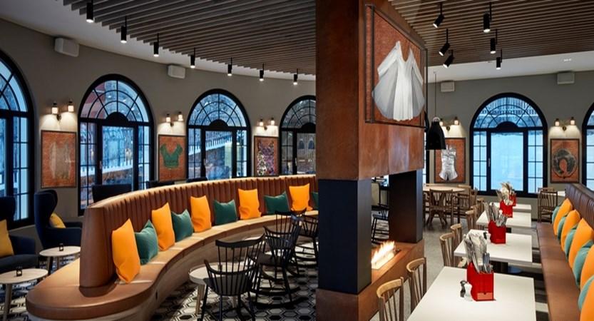 Restaurant_Hard Rock with memo fin-1.jpg