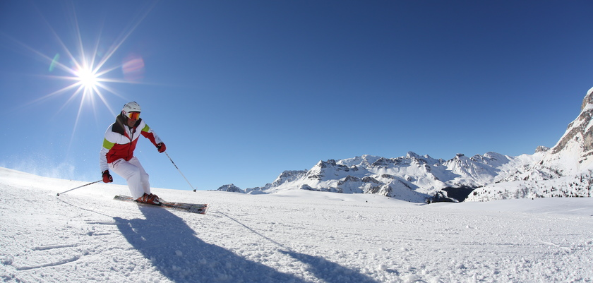 Skiing in the sunshine in Arabba,