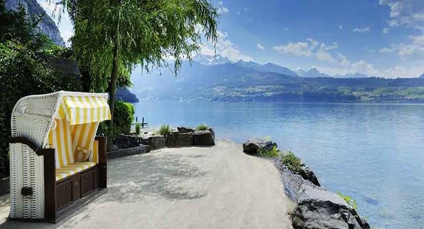 Rest by Lake1.jpg