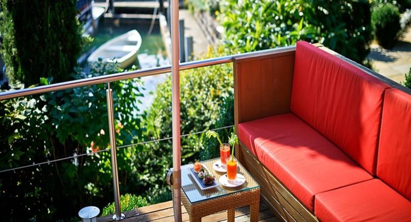 Terrace5.jpg