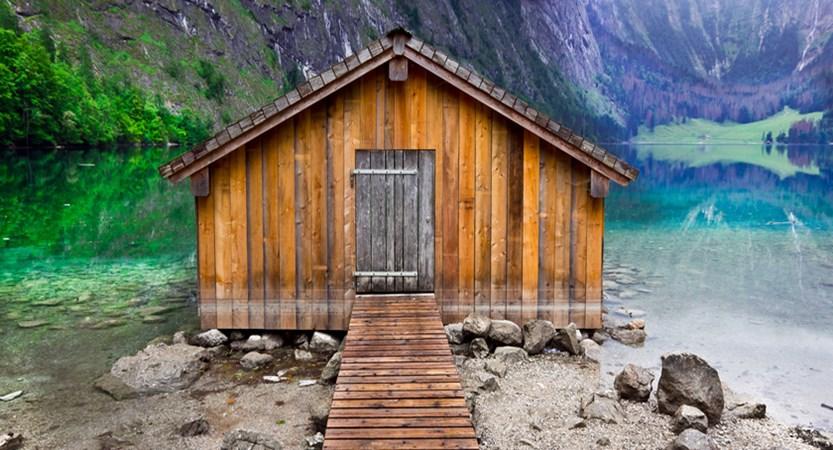 Sunken hut Berchtesgaden national park_Königssee lake.jpg