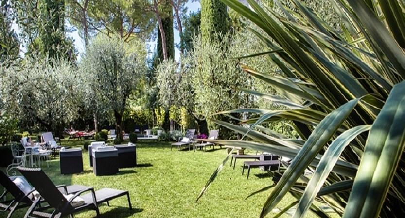 Piccola Vela Garden.jpg