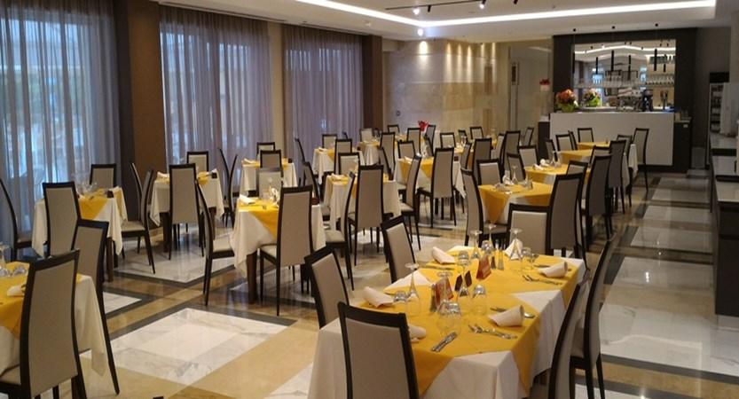 Hotel Bisesti - Restaurant.jpg