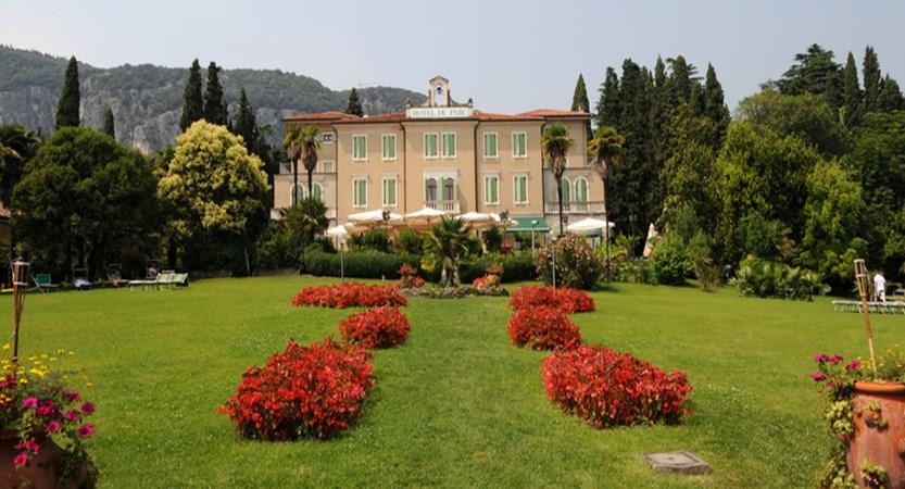 Hotel Du Parc - Garden.jpg