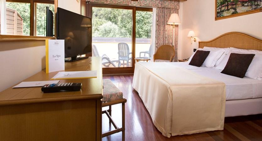 Hotel Poiano Costabella room.jpg