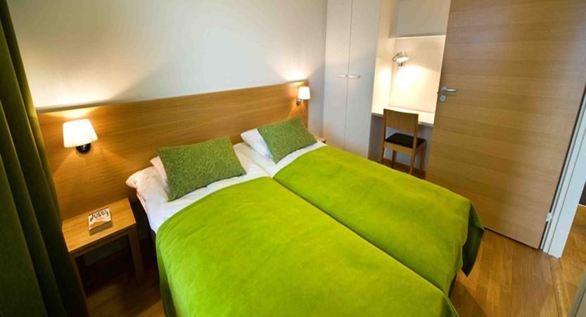 Lapland_Levi_PanoramaApartments_1bedroom twin room.jpg