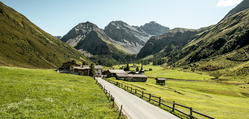 Switzerland, Graubünden, Davos, Mountain Valley