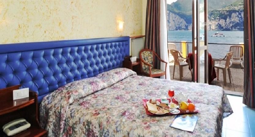 Hotel Malcesine Bedroom.jpg