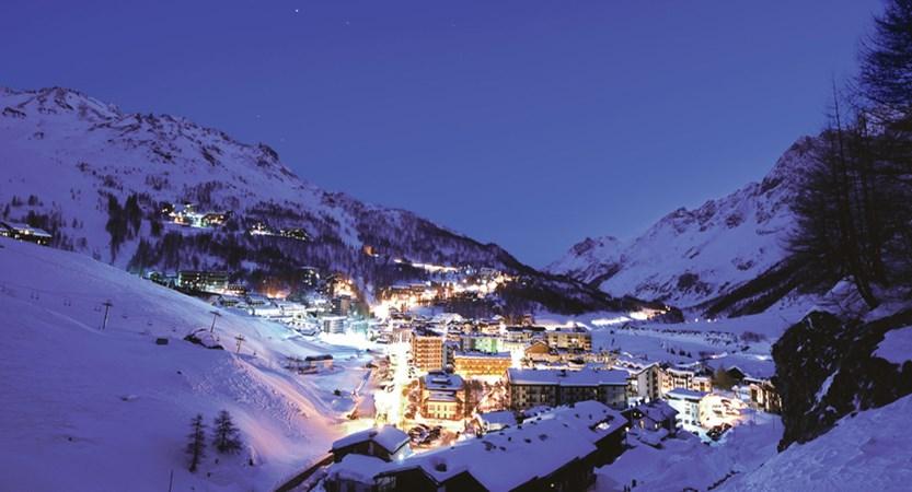 Italy_Cervinia_Ski_ski_area.jpg (1)