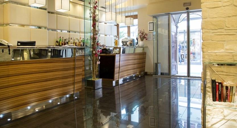 Hotel Antico Borgo Bar.jpg
