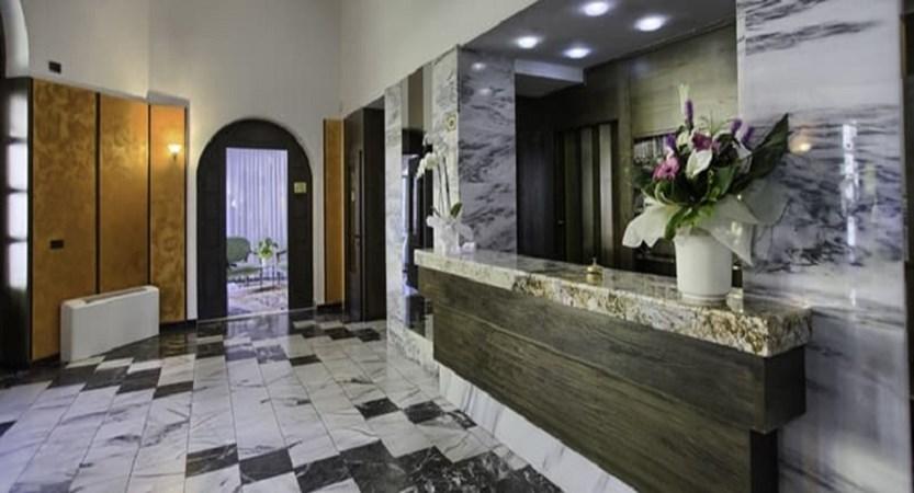 Hotel Sole - Reception.jpg