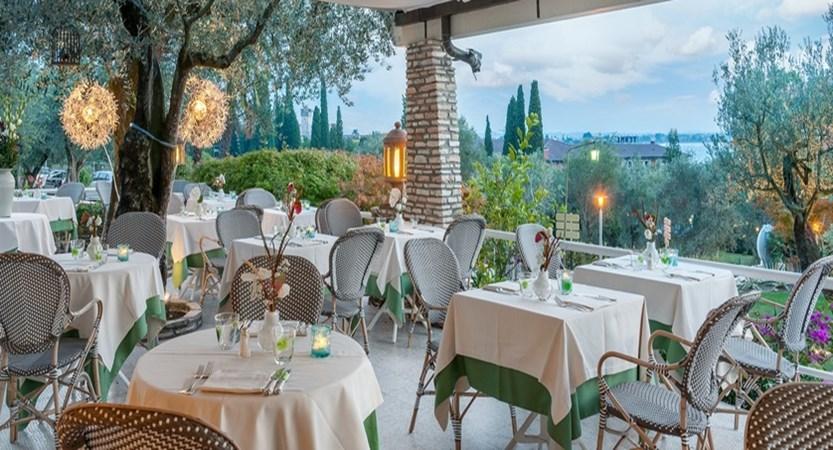 Hotel Olivi - Restaurant.jpg