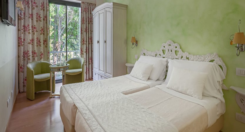 Hotel Olivi Classic Room.jpg (1)