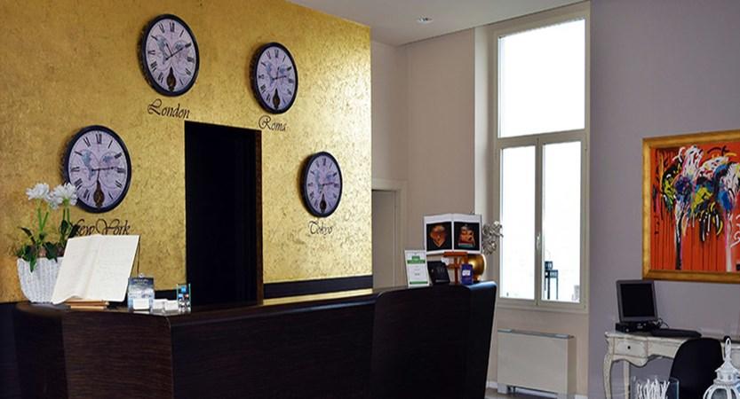 Araba Fenice Reception.jpg