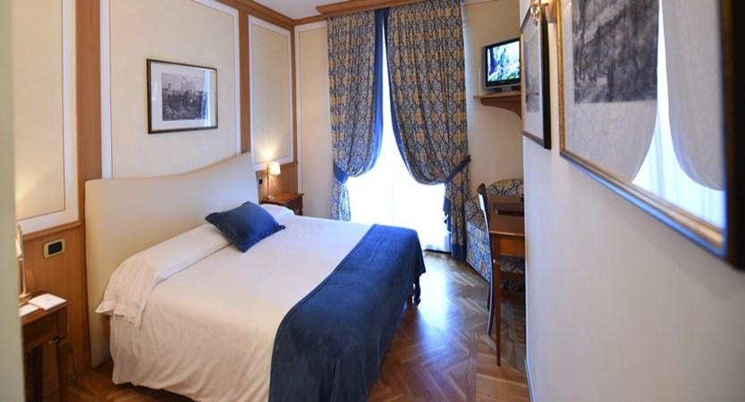 Hotel Iseolago Bedroom.jpg