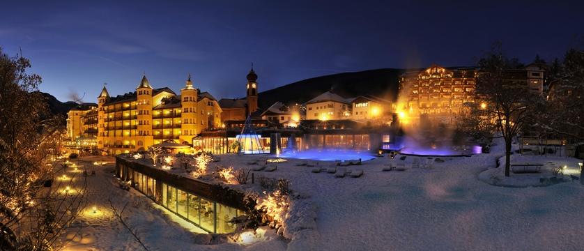 Italy_The-Dolomites-Ski-Area_Ortisei_hotel_adler_exterior.jpg (1)