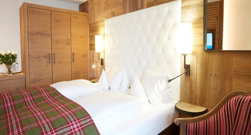Hotel room2.jpg