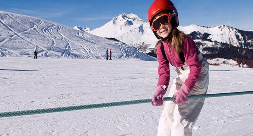 france_portes-du-soleil_morzine_child-skiing.jpg