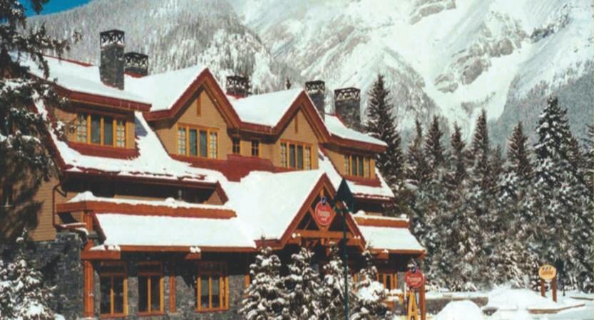 Exterior Banff Ptramigan Inn 67454.jpg