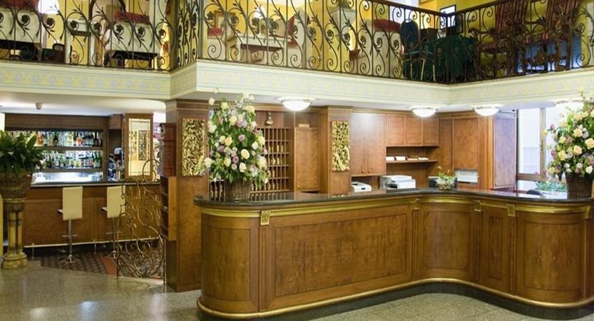 Hotel Milan au Lac Reception.jpg