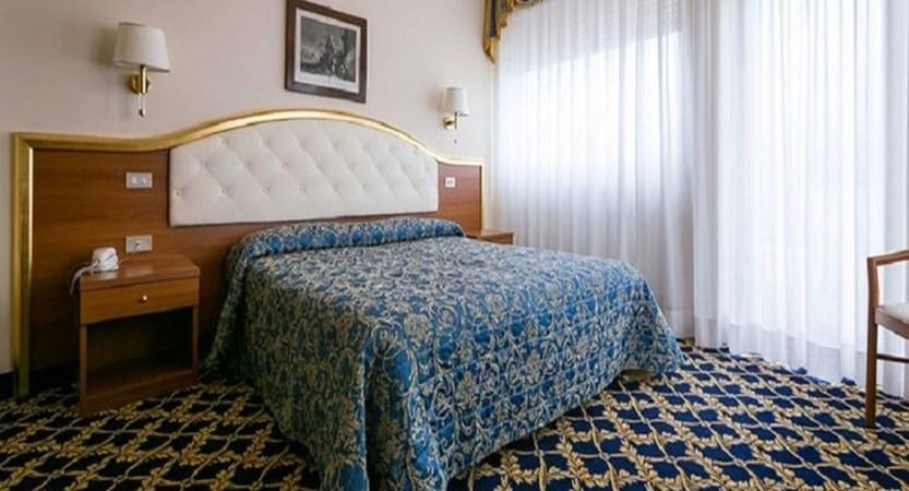 Hotel Milan au Lac Standard room.jpg