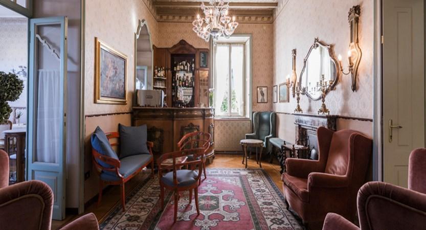 Hotel Du Parc Bar.jpg