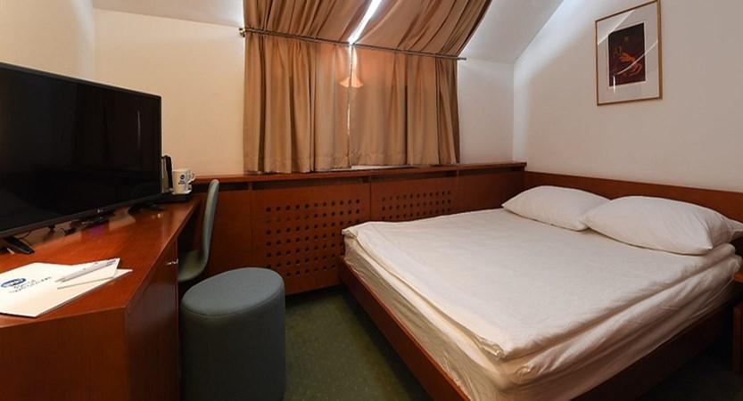 slovenia_kranjska-gora_best-western-hotel_eaves-room.jpg
