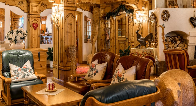 italy_dolomites-ski-area_arabba_sport_hotel_arraba_lounge.jpg