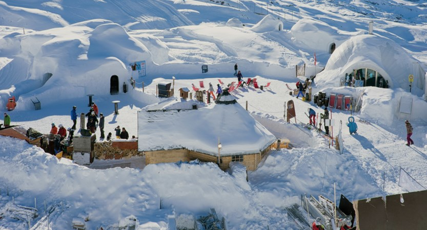 Enjoy a drink and music at Iglu Dorf.jpg