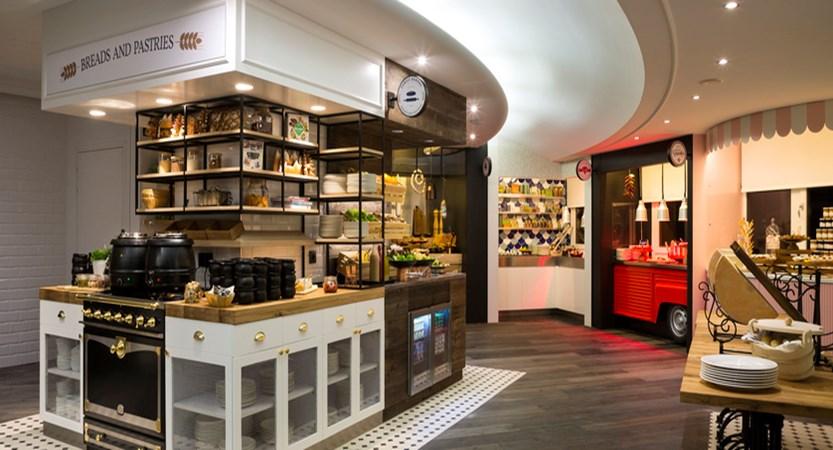 11.Araucaria Hotel & Spa - Buffet restaurant - soirée à thème HD.jpg