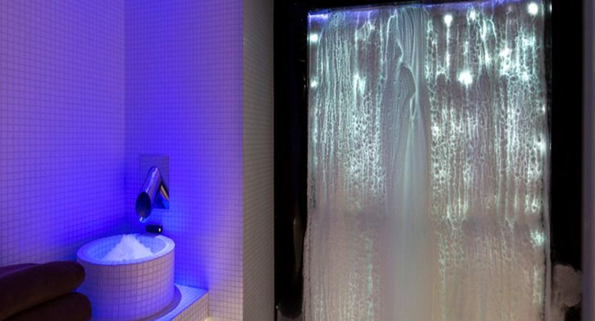 22.Araucaria Hotel & Spa - Grotte de glace HD.jpg