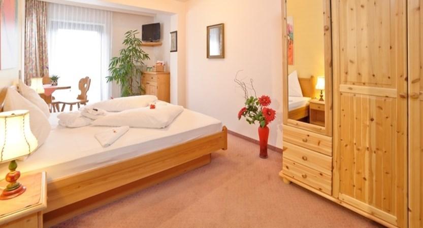 Hotel Hochfilzer, Ellmau, Austria - Bedroom economy.jpg