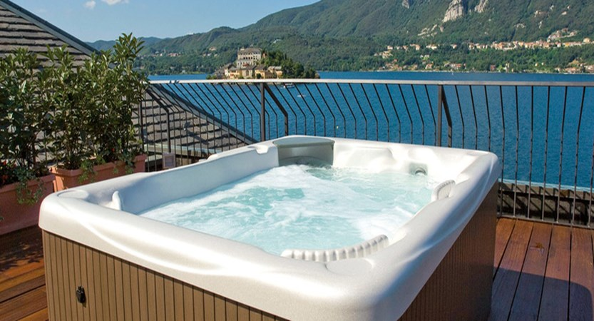 Hotel San Rocco - Rooftop Whirlpool.jpg