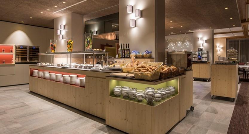 Switzerland_Grindelwald_Hotel_Sunstar_Alpine_Restaurant_Ambiance.jpg