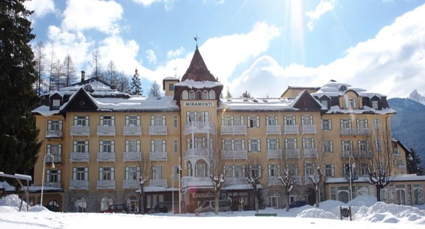italy_cortina_d'ampezzo_grand_hotel_miramonti_majestic_exterior.jpg (1)