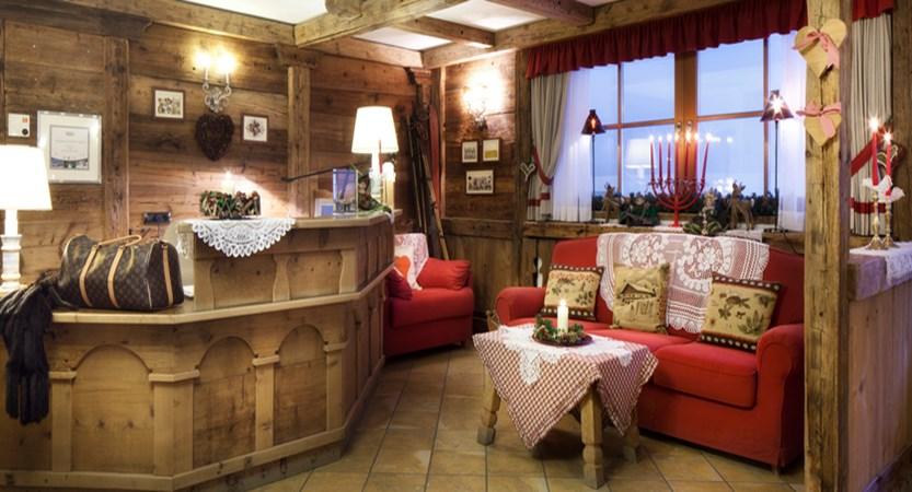 italy_dolomites-ski-area_arabba_garni_barbara_reception.jpg