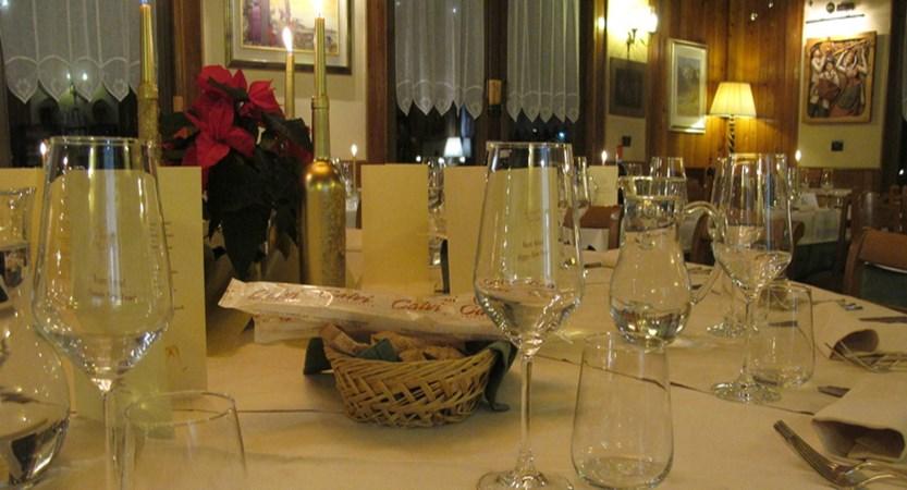 Italy_champoluc_hotel_castor_restaurant.jpg