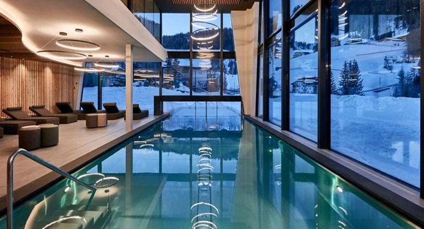 Italy_San-Cassiano_Hotel-Störes_pool2.jpg
