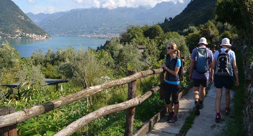 Lake Iseo walking.JPG