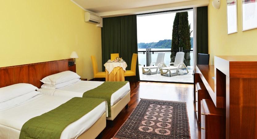 Hotel Salo du Parc Bedroom.jpg