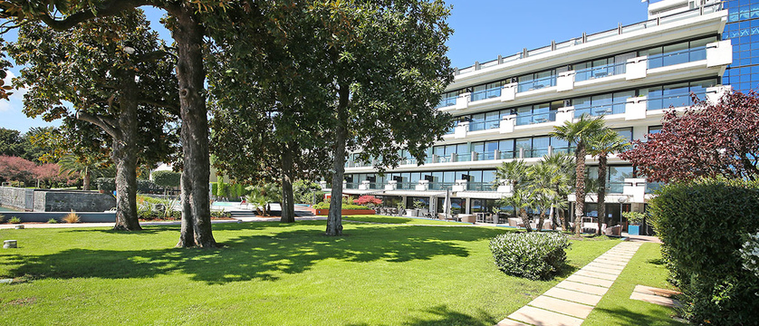 Hotel Salo du Parc - Garden.jpg