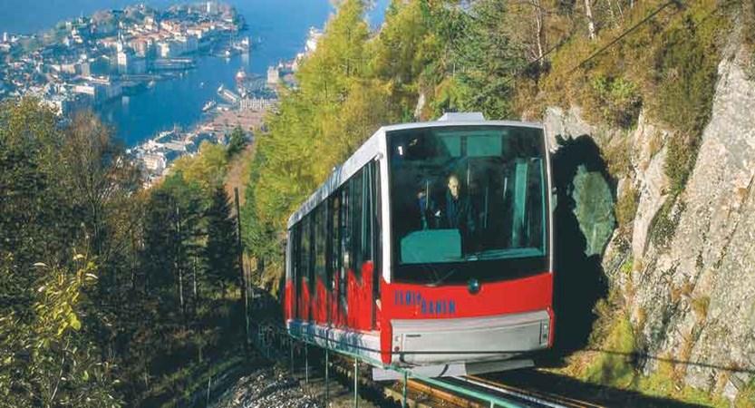 Fløibanen (funicular railway in Bergen).jpg