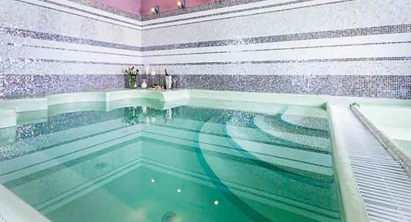 italy_pila-aosta_hotel-la-chance_whirlpool.jpg