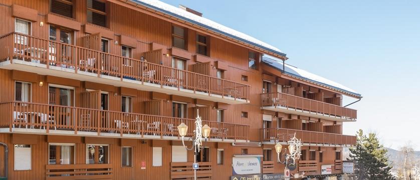 Les Ravines apartments exterior (2)