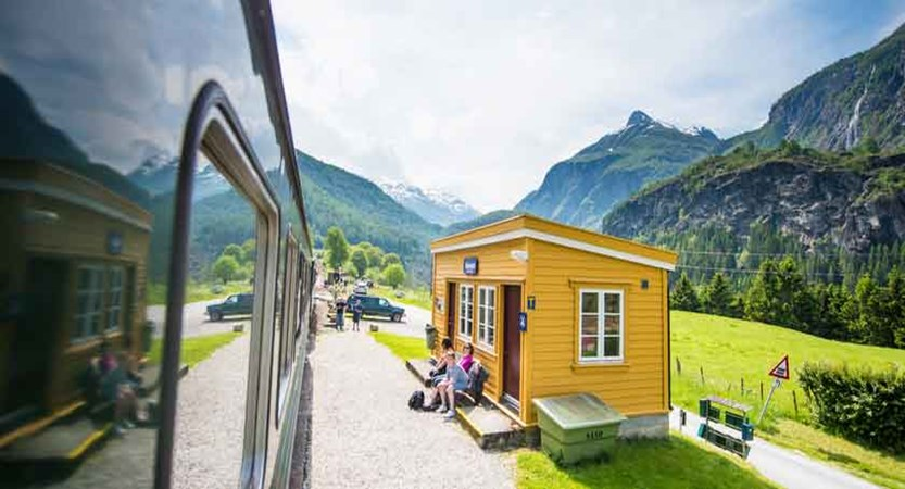 The-Flam-railway-near-Balestrand.jpg