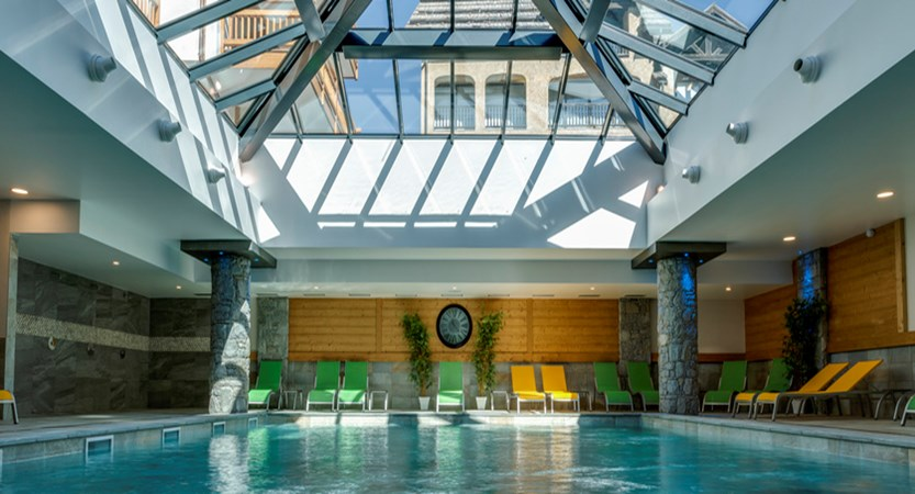 Le Napoleon apartments indoor pool